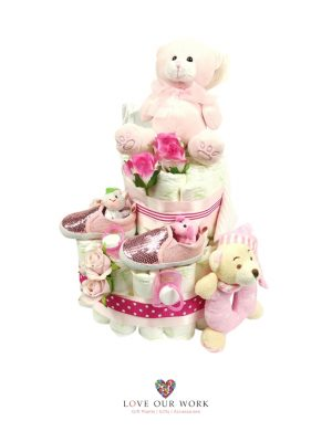 Hello World! This hamper contains quality gifts to welcome in baby